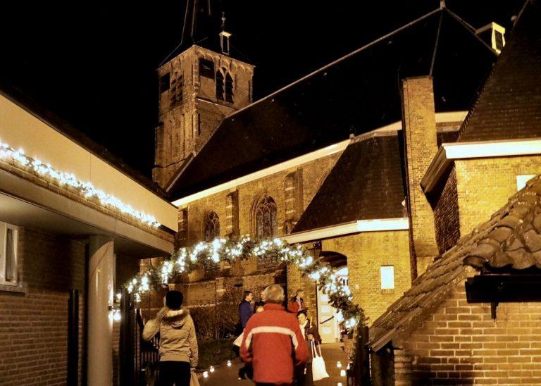 Oude Kerk open tijdens kaarsjesavond Nieuwerkerk