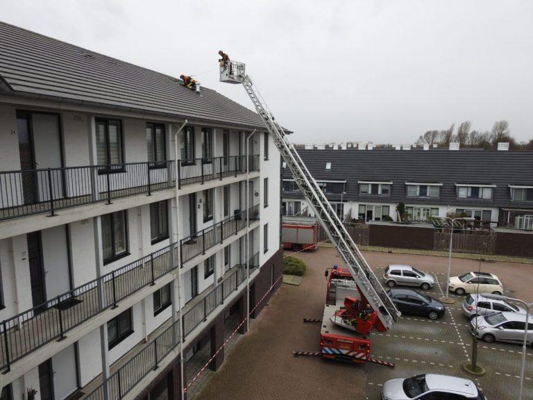 Brandweer moet alsnog twee weken oude stormschade verhelpen in Moordrecht