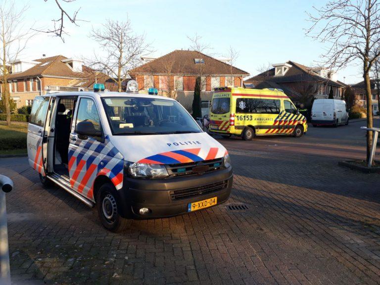 Pakjesbus ziet fietser over hoofd in Nieuwerkerk aan den IJssel
