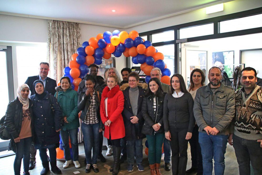 taalhuis geopend in bibliotheek nieuwerkerk aan den ijssel   gouwe