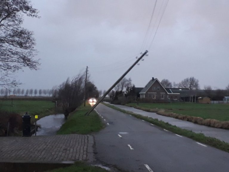 Spoorweglaan en 4e Tochtweg dicht vanwege reparatie stormschade
