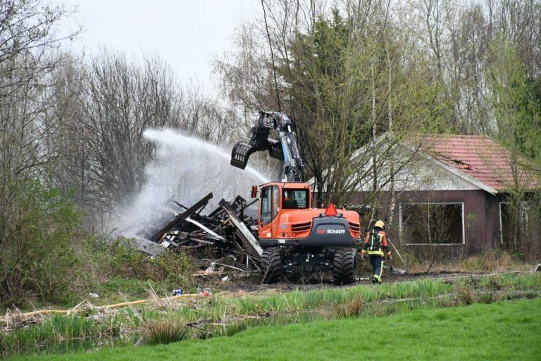 Pand gesloopt na opnieuw oplaaien brand ´s-Gravenweg