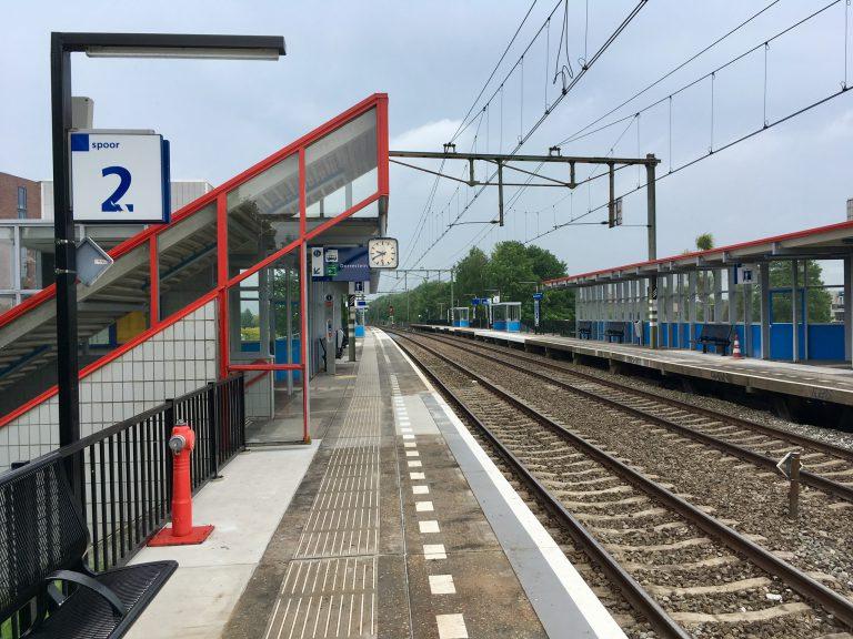 Station Nieuwerkerk weer open. Nu treinen nog 😉