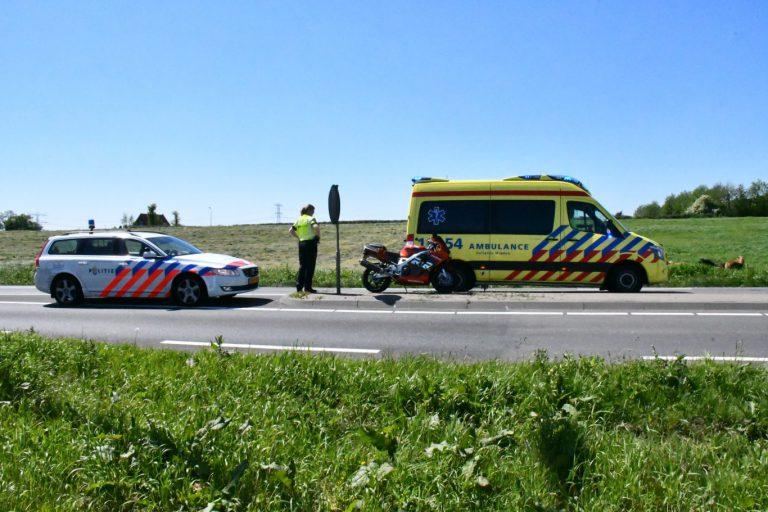 Motorrijder belandt in sloot na ongeval op N219 bij Zevenhuizen
