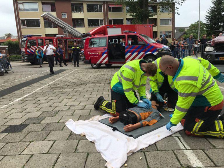 Bijzondere voertuigen bij open dag brandweer Nieuwerkerk