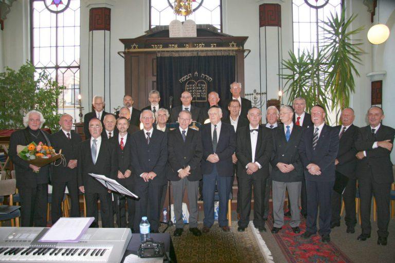 Mannenkoor Nieuwerkerk neemt feestelijk afscheid na 25 jaar
