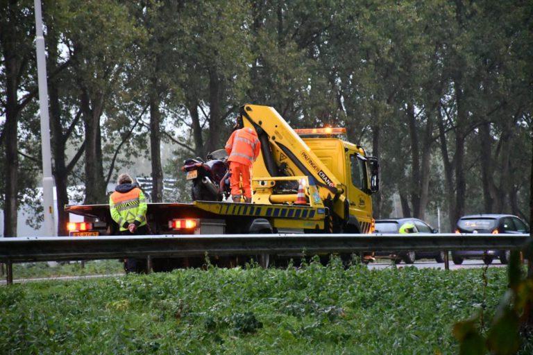 Fileontwijkers krijgen dure post na rijden over vluchtstrook A20