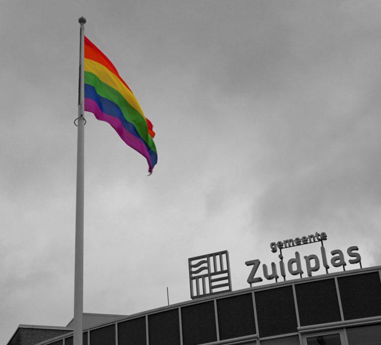 Regenboogvlag wordt weer gehesen in Zuidplas