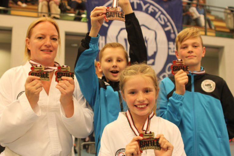 Zuidplas sportweekeinde : CKV en VV Nieuwerkerk winnen weer, medailles voor Jungshin Kwan