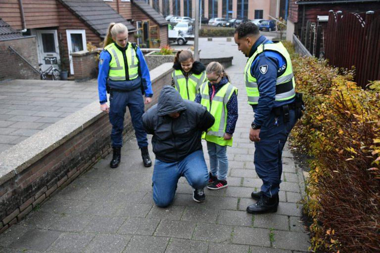 Prijswinnaars Boef in de Wijk Zevenhuizen op pad met handhaving Zuidplas