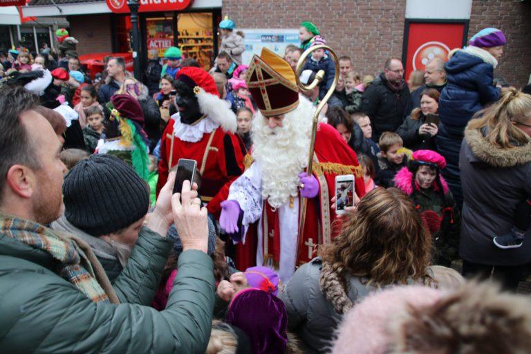 Sinterklaas komt in de regio op verschillende dagen.