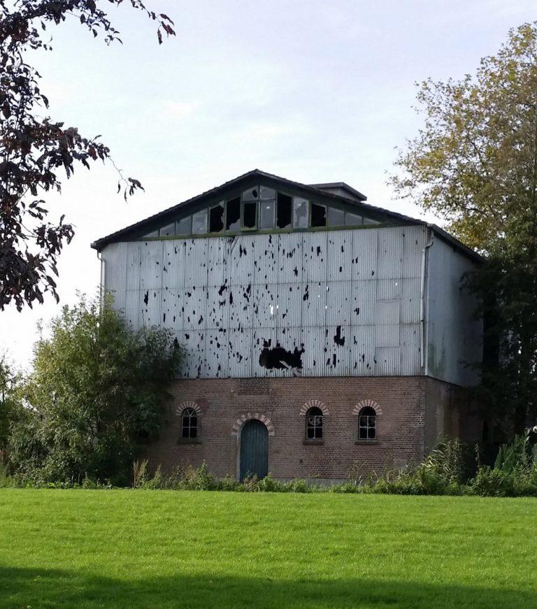 Gemeente wil beter voorstel voor sloop en nieuwbouw van vervallen graansilo in Zevenhuizen