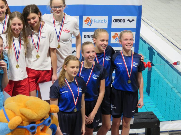 Zwemmers ZPV Barracuda trekken sportieve lijn door naar 2019