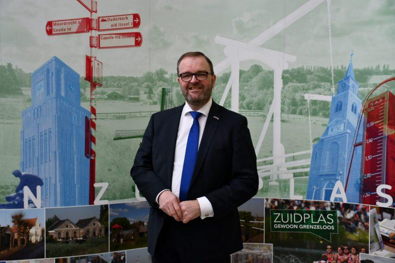 Veel lof voor werk van waarnemend burgemeester Servaas Stoop