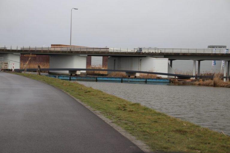 Fietsbrug over Ringvaart bij Westergouwe eind februari open