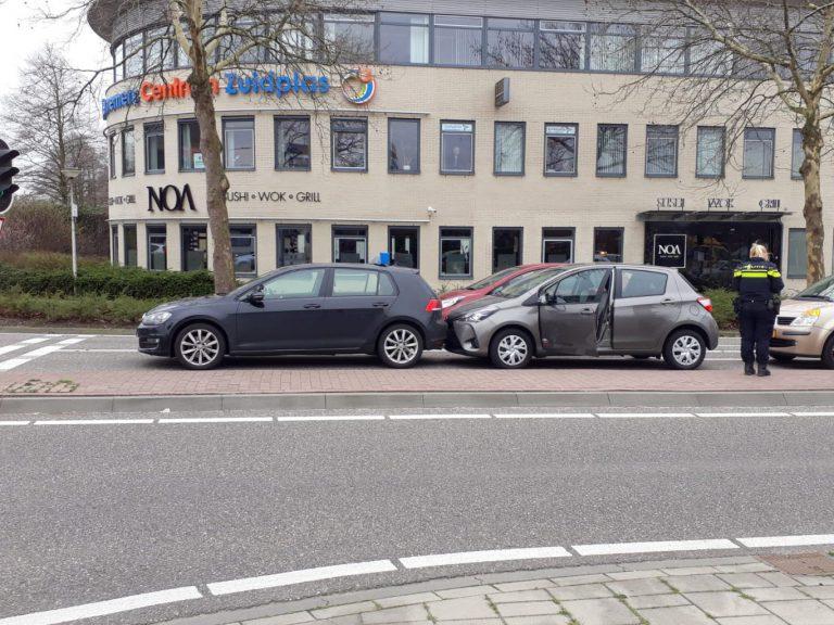Harde les bij kop-staart aanrijding in Nieuwerkerk