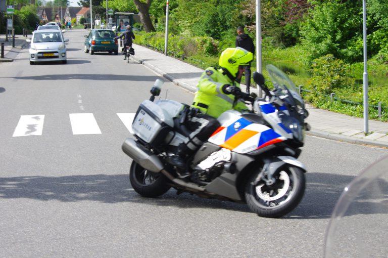 Motorpolitie aanwezig om stoet motors uit Moordrecht te begeleiden