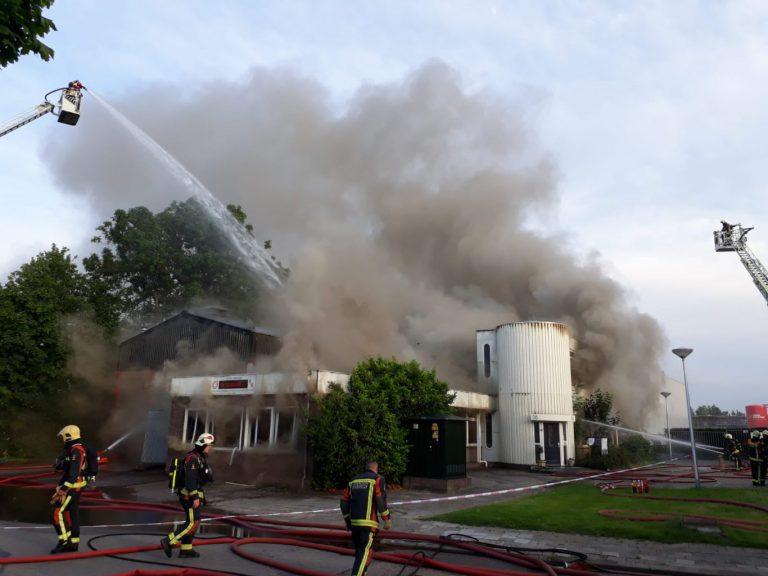 Zeer grote brand in Waddinxveen zorgt voor veel rookoverlast