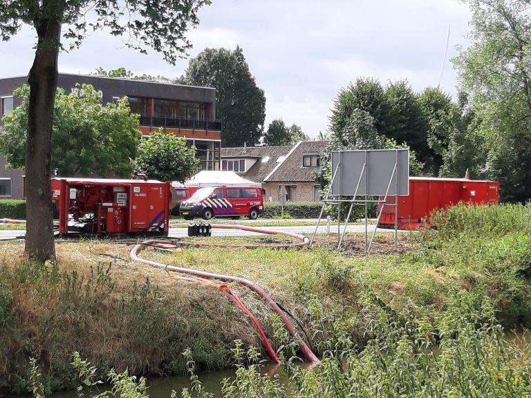 Grote brand in berg groenafval bij recyclingbedrijf in Waddinxveen