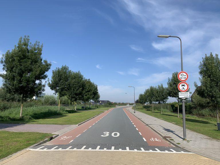 Ontsluitingsweg EsseZoom Laag alleen Bestemmingsverkeer 🤔