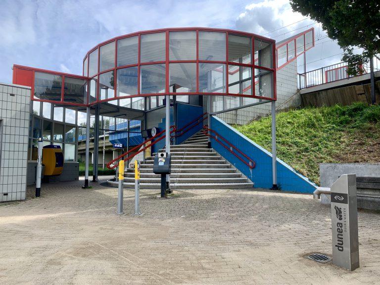 Dunea/NS watertappunt bij station gereed