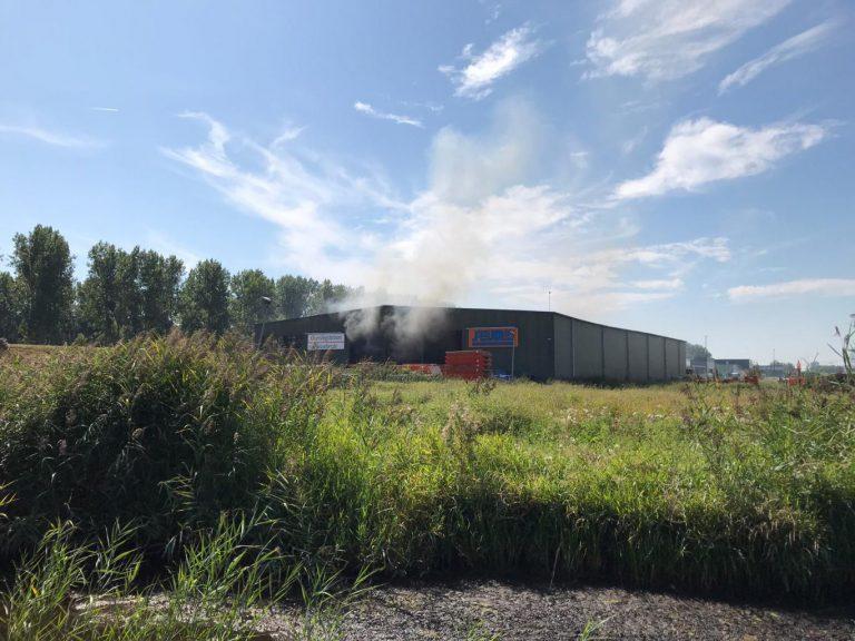 Brand bij afvalverwerker Reijm in Nesselande (video)