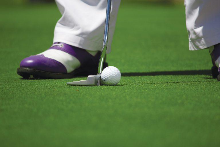 Opbrengst van golfweek Hitland voor stichting Leergeld