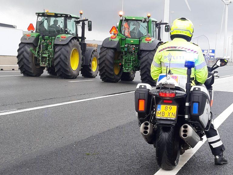 Boeren trekken door de regio bij boerenprotest