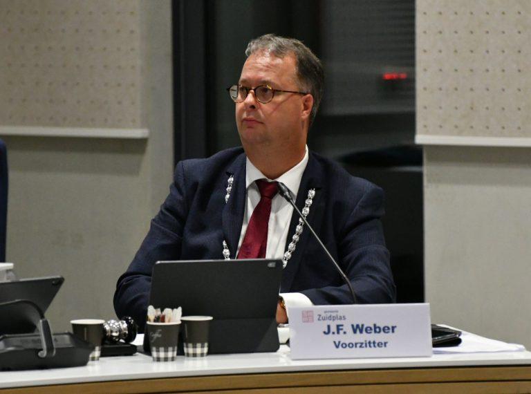 Burgemeester Weber : Let een beetje op elkaar in deze tijd!  (+video)