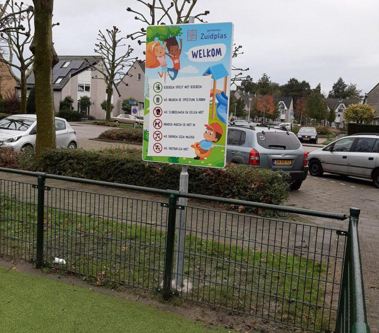 Stilte bord in Moerkapelse speeltuin tijdelijk weggehaald door gemeente Zuidplas