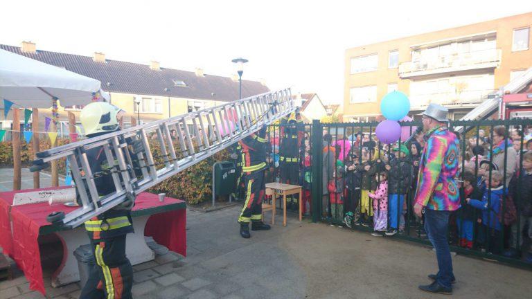 Brandweer redt opening nieuw schoolplein De Eendragt