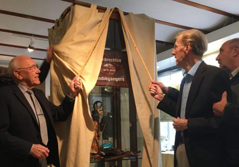 """Tentoonstelling """"Moordrechtse Indiëgangers, om niet te vergeten"""" geopend in oudheidkamer Moordrecht"""