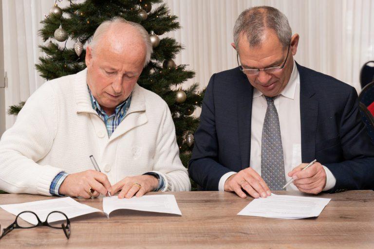 Gemeente steunt aanpak bestuur Op Moer met meerjarencontract