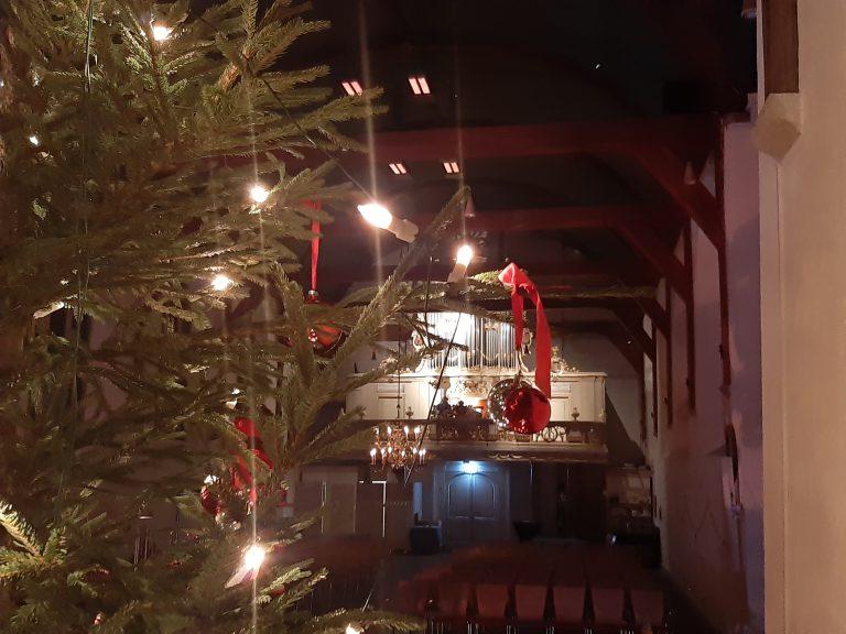 Dorpskerk Moordrecht in kerstsferen