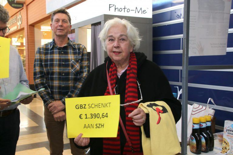 GBZ heft zich op als politiek partij en verrast 'Zuidplas Helpt' met bijna €1400 euro (VIDEO)