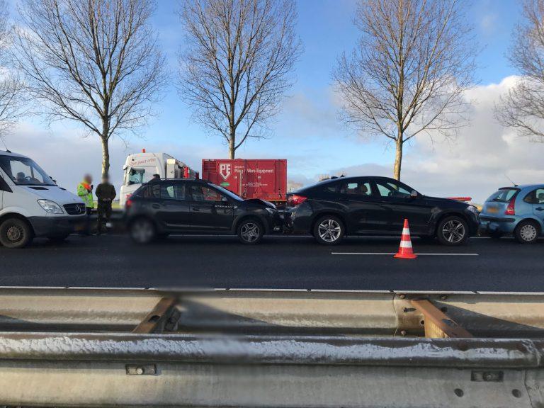 Kop-staartaanrijding op A20 oorzaak vertraging richting Gouda