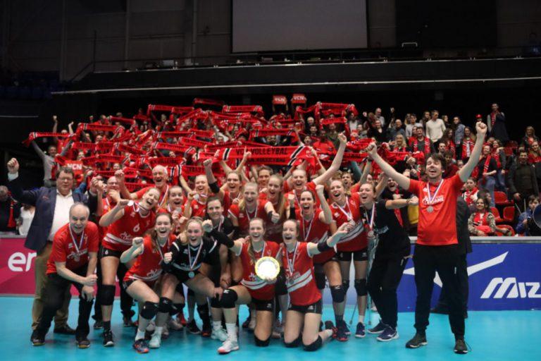 Volleybalvereniging Capelle Nieuwerkerk (VCN) met zowel de dames als de heren de Eredivisie in