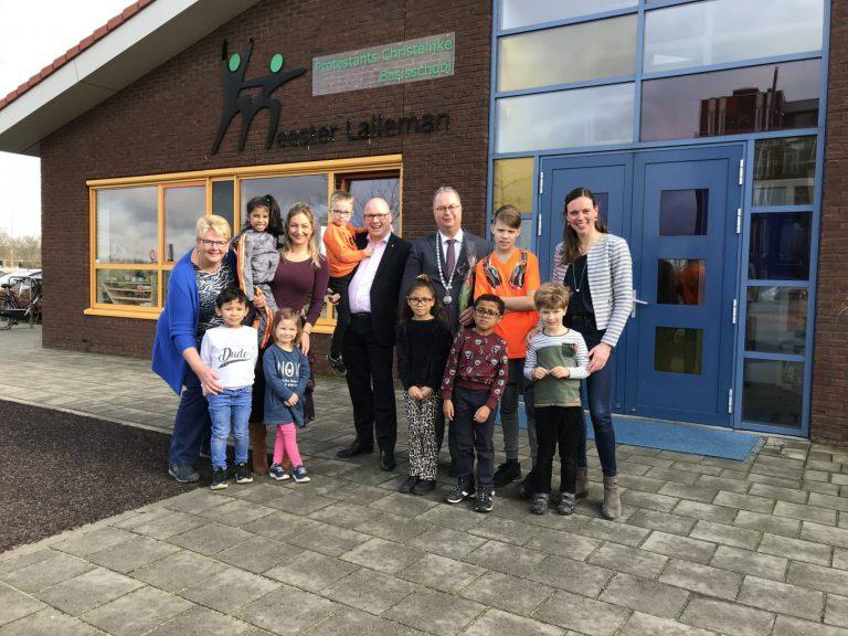 Burgemeester Weber bezoekt de PCB Meester Lalleman school