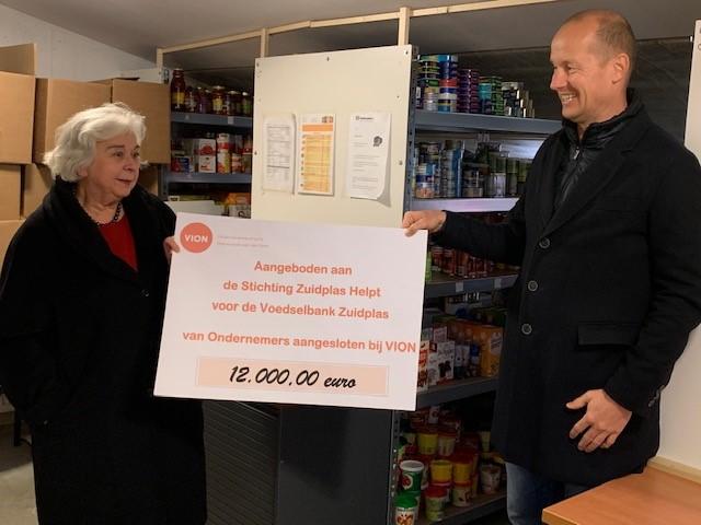 Ondernemersvereniging doneert 12.000 euro aan  'Stichting Zuidplas Helpt'