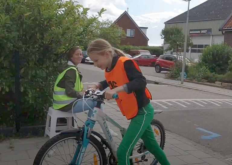 Praktijk verkeersexamens groep 7 gestart in Moerkapelle (+video)