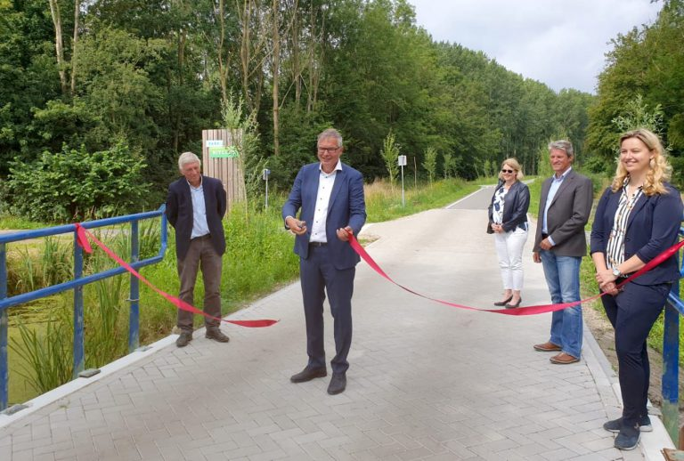 Werkzaamheden Hitlandselaan gereed na officiele opening (+video)