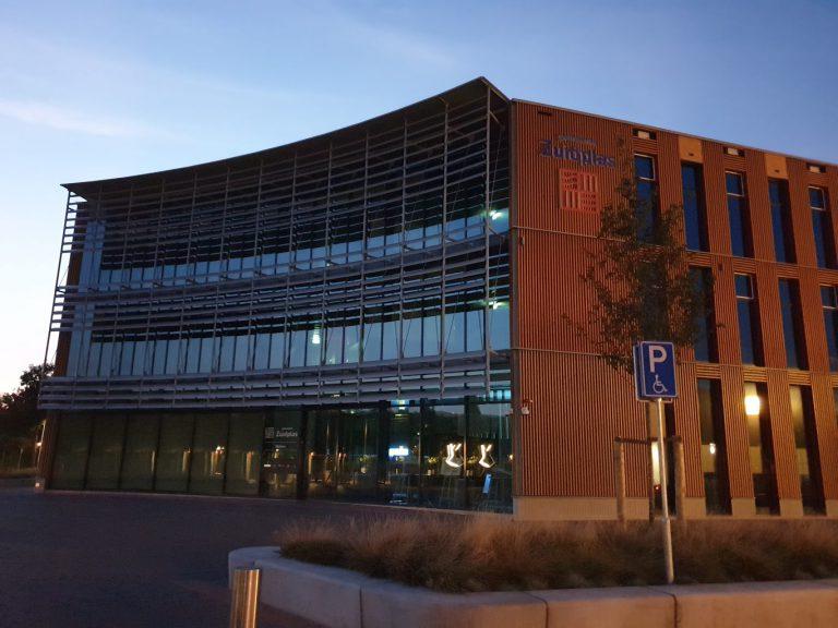 Gemeentehuis maandagavond afgesloten door bedreiging richting bestuurder