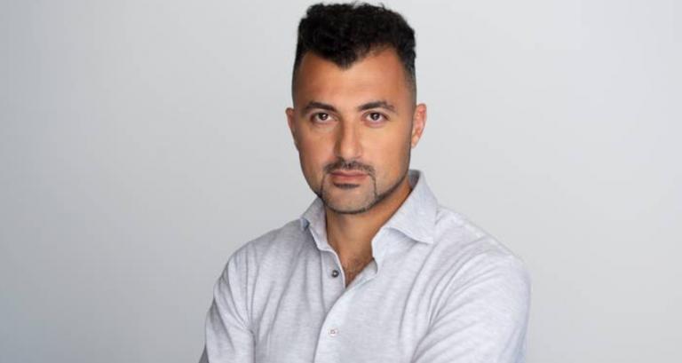 Özcan Akyol vertelt in Dorpshuis Swanla