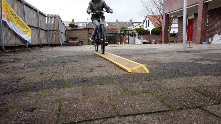 Leerlingen Rehobothschool Nieuwerkerk slimmer het verkeer in door Streetwise (video)