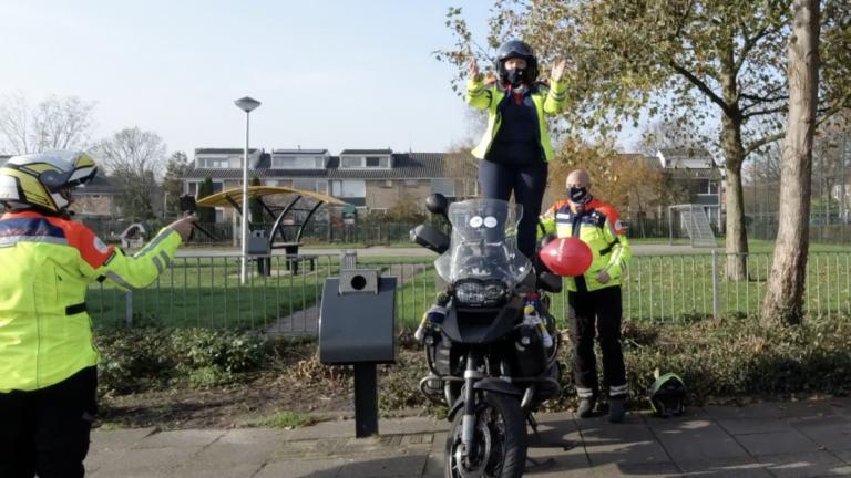 Roparun motorrijders nemen clip op voor Jerusalama Challenge in Moerkapelle
