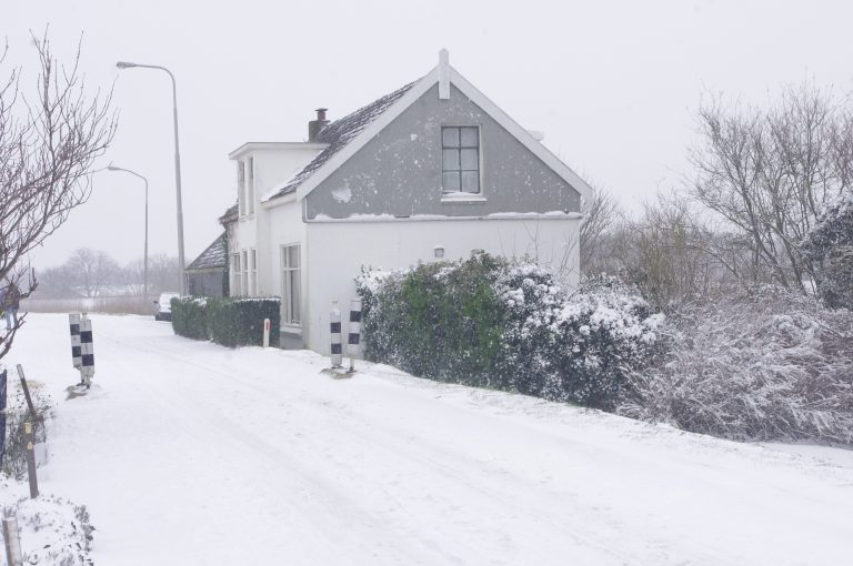 Schielandse Hoge Zeedijk West Moordrecht in de sneeuw