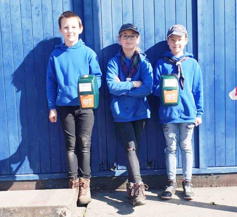 """Waterscouting """"De IJssel"""" collecteert 13 kilo muntgeld bij elkaar voor Jantje Beton"""