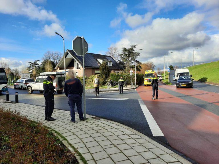 Fietser en automobilist botsen in Moordrecht