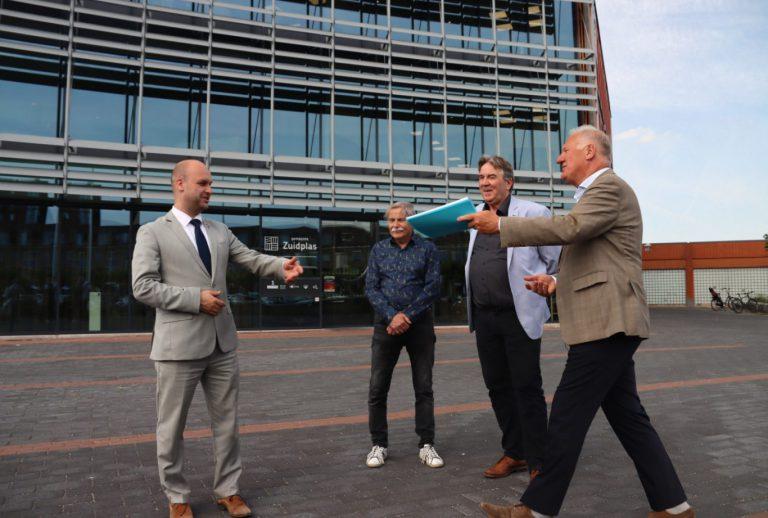 """PvdA/GroenLinks en NEZ bieden """"Staat van de Straat"""" aan over kwaliteit buitenruimte Velden en Dalen (+video)"""