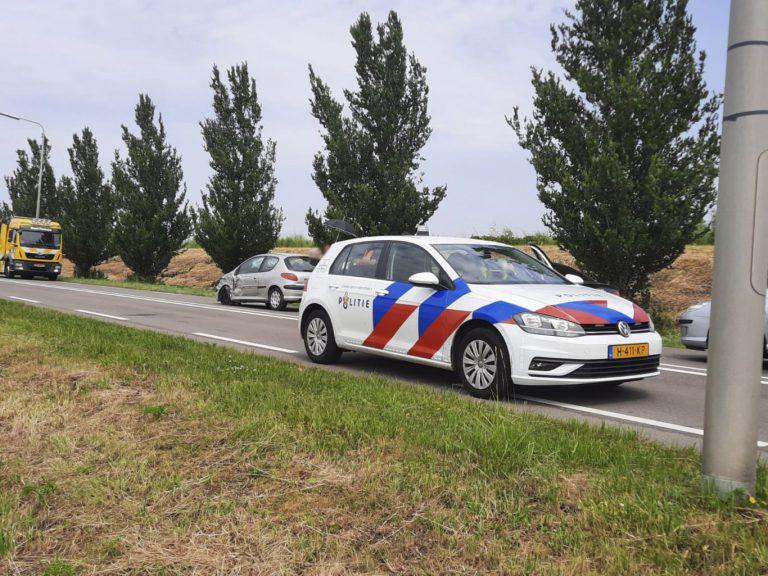 N207 bij Westergouwe afgesloten door aanrijding